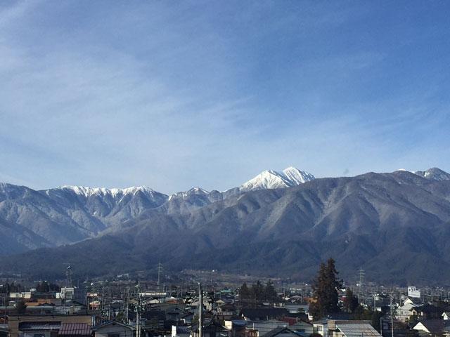 朝の常念岳